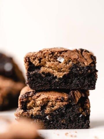 two stacked brownie blondies